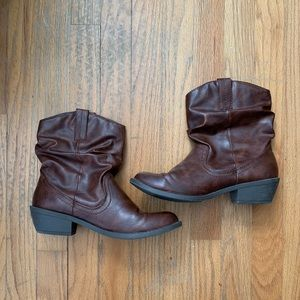 American Eagle Size 8 Brown Booties